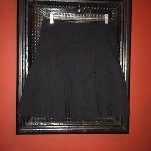 BCBG Black pleated skirt